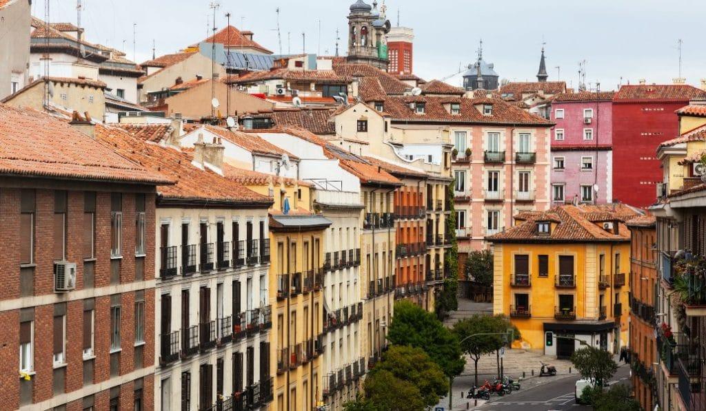 Madrid se convierte en la ciudad más cara de España para alquilar una casa