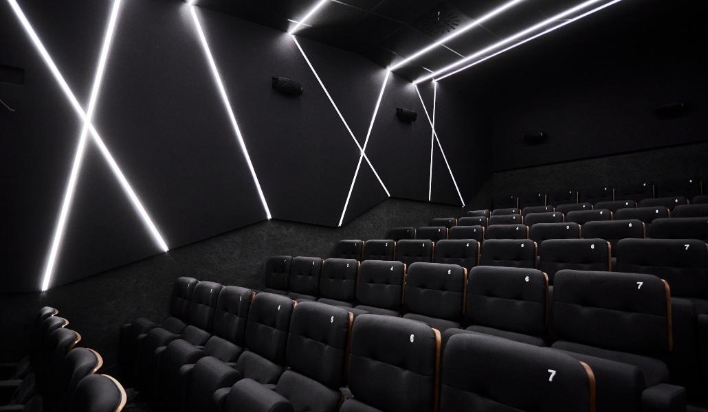 cines-embajadores