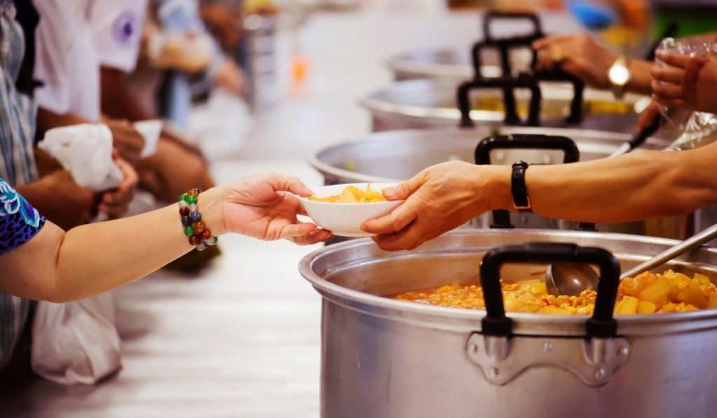Leganés dona el presupuesto de sus fiestas populares a Cáritas