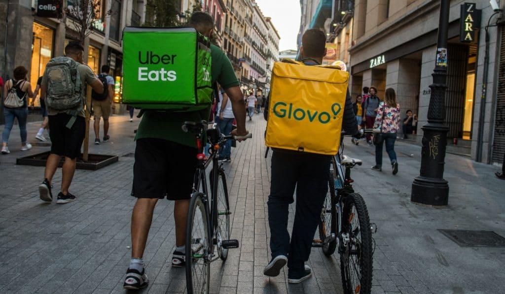 Los «riders» de Madrid: obligados a llevar cascos y a no aparcar en la acera