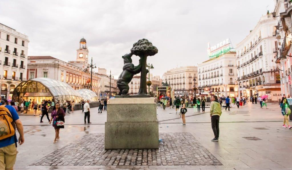 Nuevas medidas en Madrid: reuniones de 10 personas como máximo y reducción de aforos
