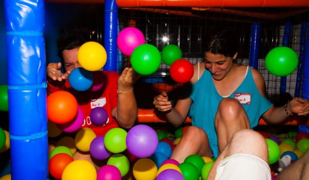 Periquitos Park: volver a sentirse un niño en un parque de bolas para adultos