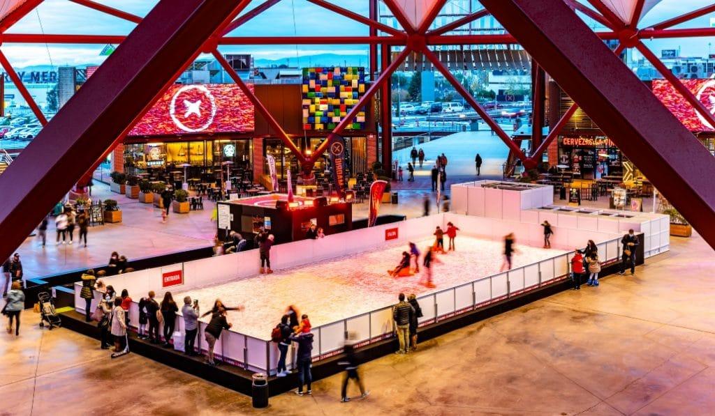 La primera pista de hielo de la Navidad 2020 ya ha abierto