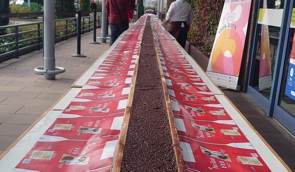 Hacen en Madrid el turrón de chocolate más largo del mundo