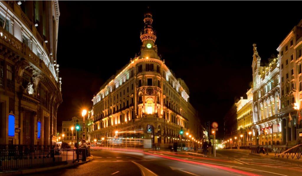 Madrid adelanta el toque de queda nocturno a las 23:00h