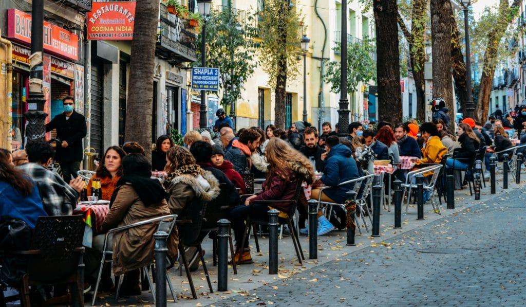 Hostelería en Madrid: 6 personas en terraza y mascarilla obligatoria en bares y restaurantes