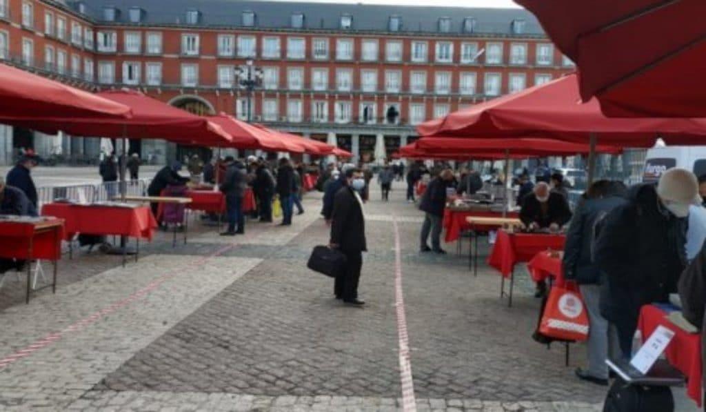 El Mercado de Filatelia vuelve a la Plaza Mayor