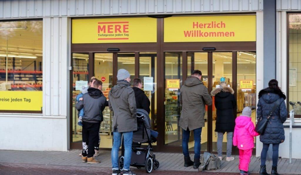 Ya hay ubicación para Mere, la baratísima cadena rusa de supermercados que llega a Madrid