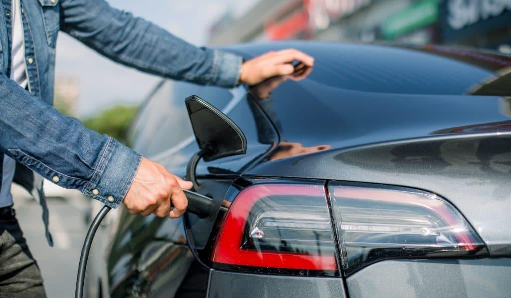 El Ayuntamiento de Madrid dará ayudas para comprar coches eléctricos