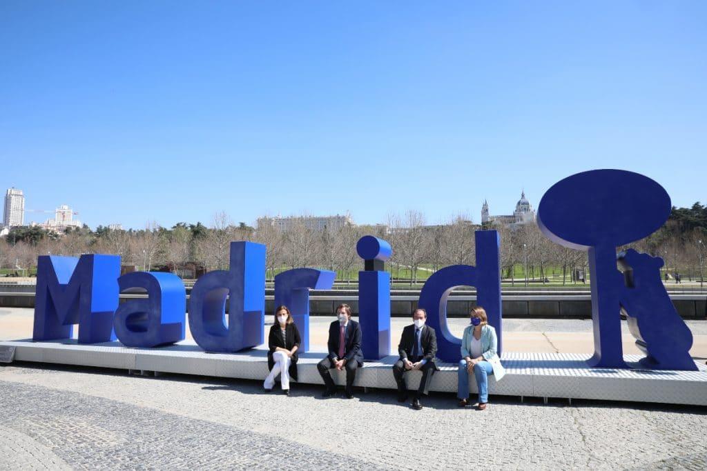 Madrid tiene una nueva escultura gigante con su nombre