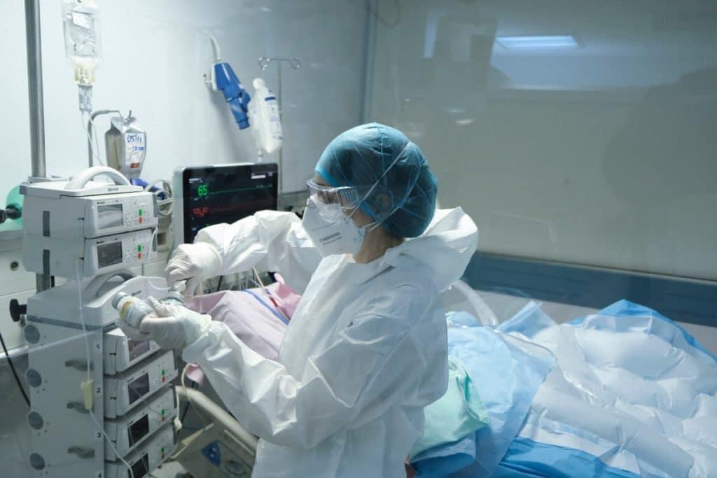 Hospitales madrileños desarrollan una calculadora que predice la mortalidad por COVID-19