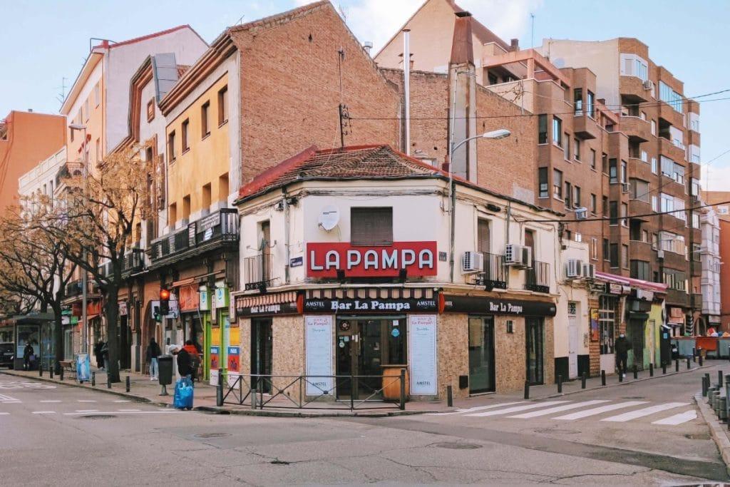 Por qué Madrid está lleno de bares de toda la vida y cómo sobreviven a pesar de todo