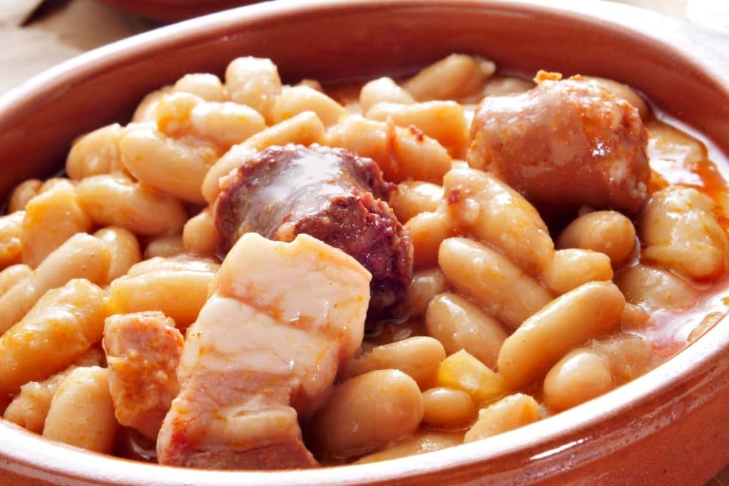 Dos restaurantes madrileños, candidatos a mejor fabada del mundo