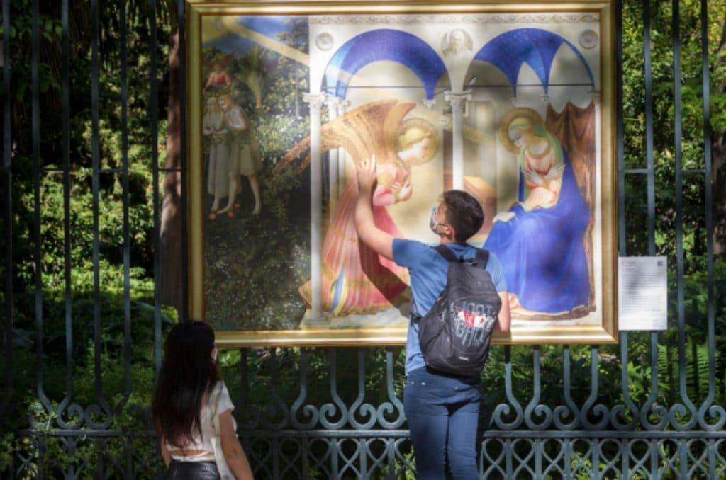 Una veintena de cuadros del Prado salen a las calles de Madrid