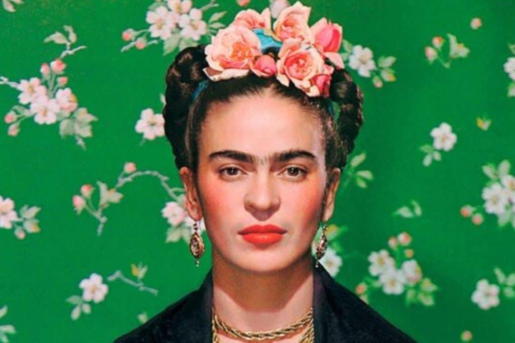 Esta exposición reúne más de 800 obras y objetos de Frida Kahlo