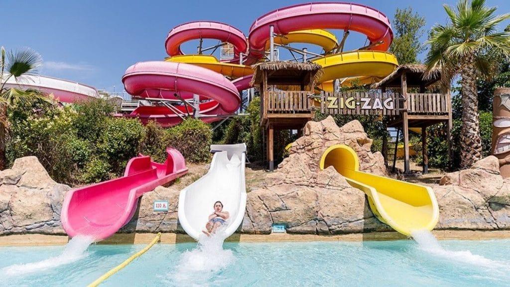Aquopolis, uno de los parques acuáticos más grandes de Europa, reabre este mes