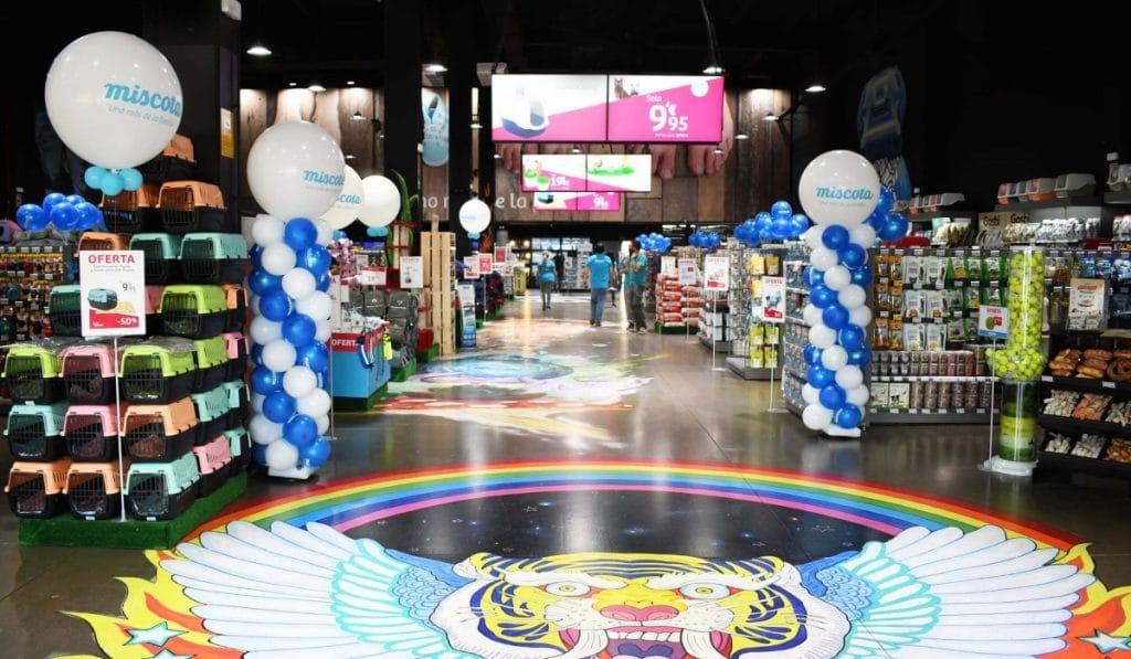 Abre en Madrid una tienda gigante para mascotas