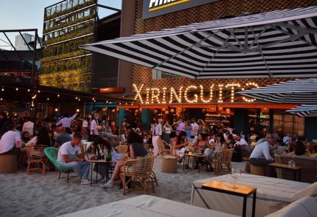 Xiringuito o cómo convertir un negocio madrileño en un bar a orillas del mar