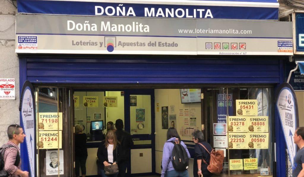 Doña Manolita ya vende décimos de Lotería para Navidad