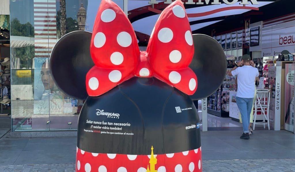 ¿Por qué Madrid se ha llenado de contenedores de Disney?