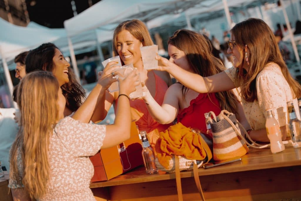 MADBEACH CLUB 2021: un aperitivo castizo en la playa de Madrid