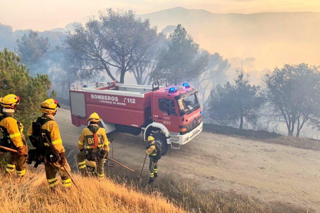 El incendio del pantano de San Juan podría darse hoy por extinguido