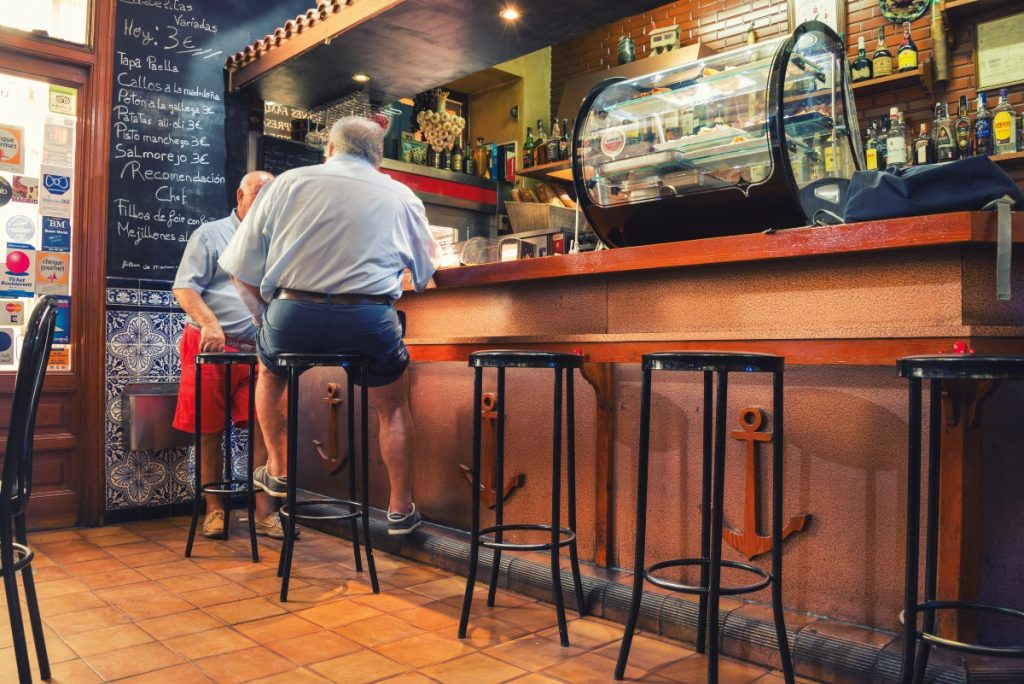 Madrid estudiará pedir el certificado Covid para entrar a bares y restaurantes