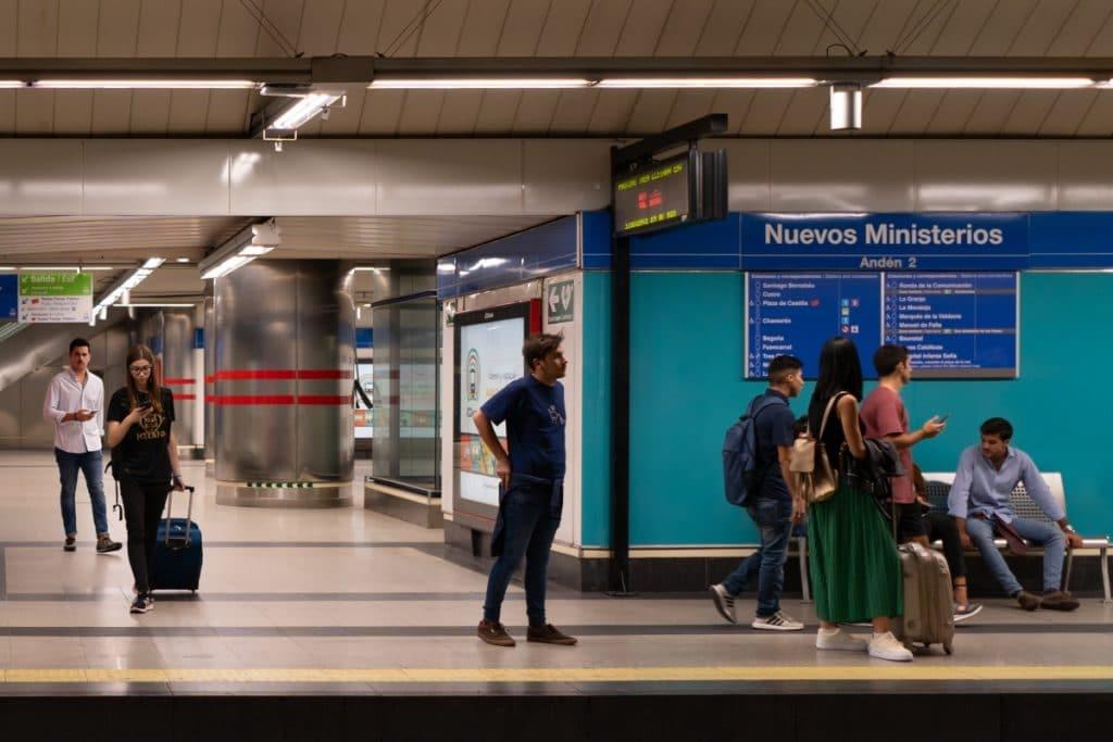 'Elige tu destino': cómo convertir en literatura la red de Metro
