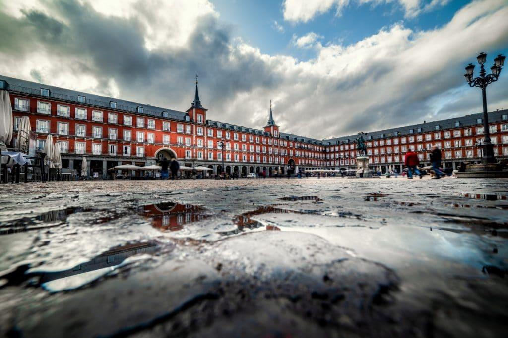 Esta semana bajarán las temperaturas y habrá tormentas en Madrid