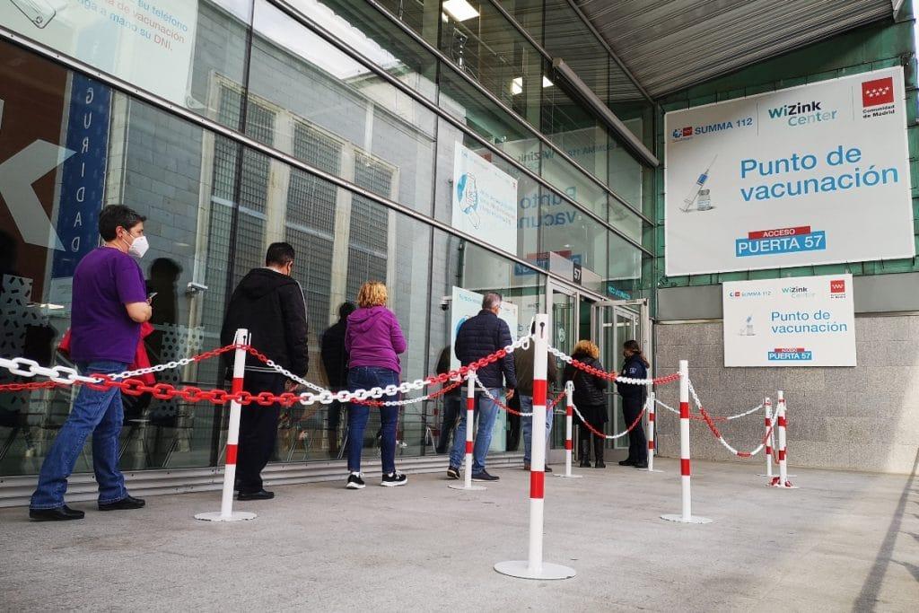 Madrid administra desde hoy primeras y segundas dosis sin cita en 11 centros