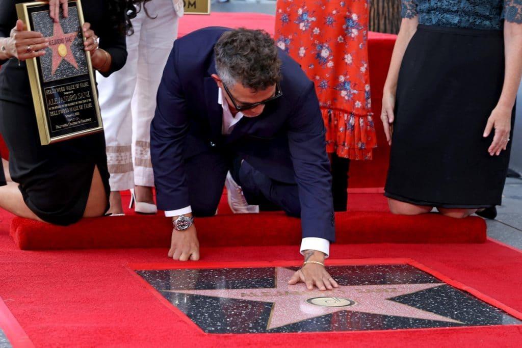 Hollywood pone una estrella en el Paseo de la Fama al cantante madrileño Alejandro Sanz