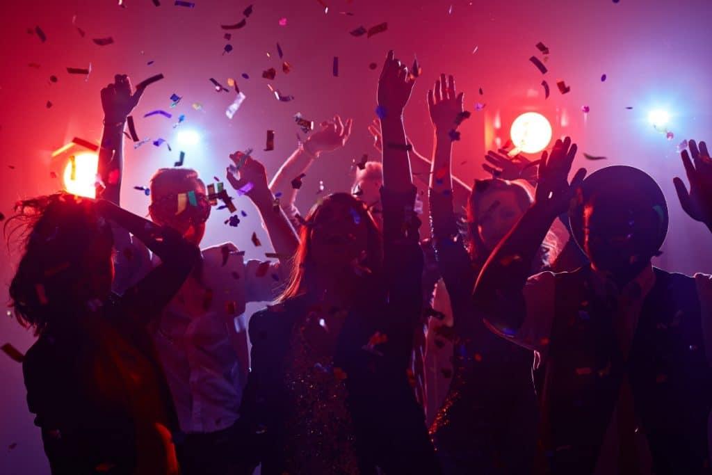 Madrid anuncia que a partir de hoy se podrá volver a bailar en las discotecas