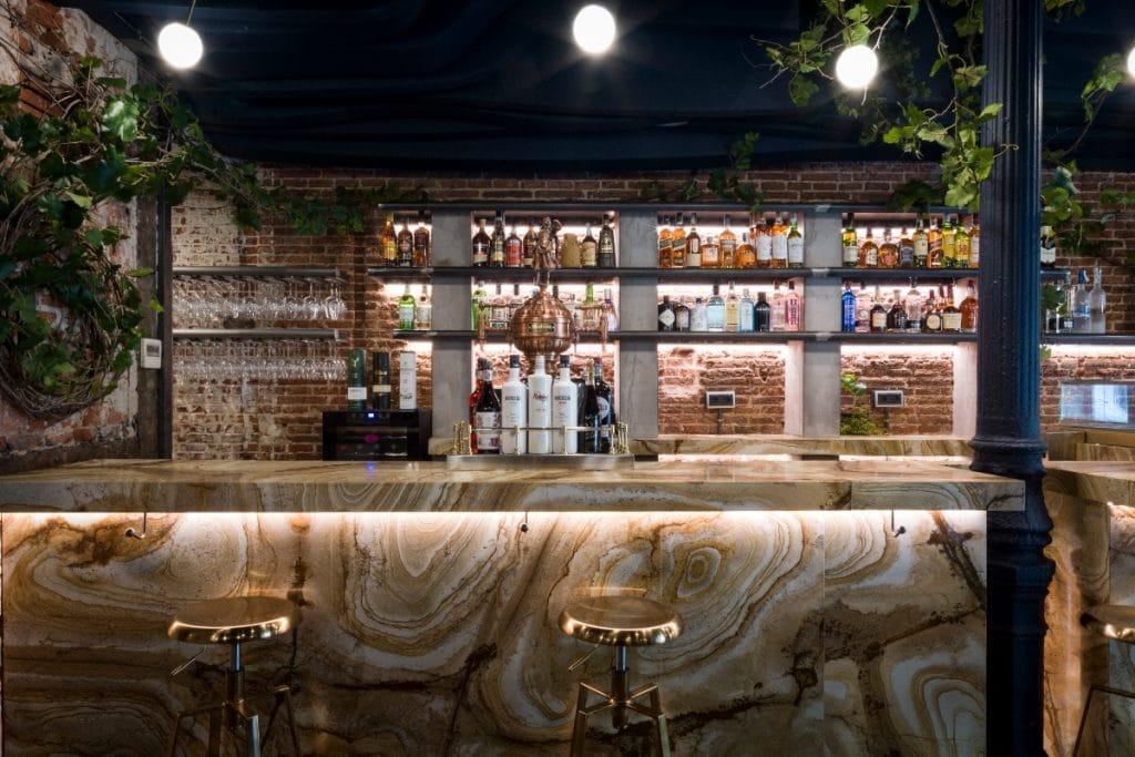 Un restaurante cubierto por un árbol abre en Madrid