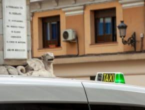 Los taxis madrileños ofrecerán prensa gratuita