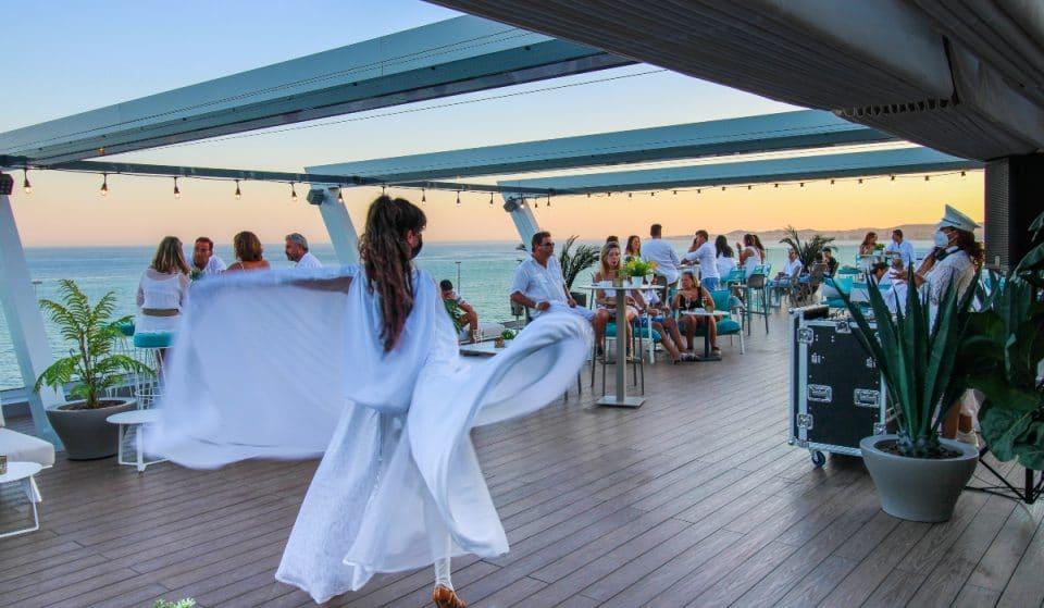 Fiesta exclusiva en la mejor terraza de Benalmádena