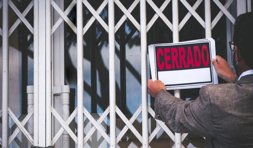 ¿Qué se puede hacer en los municipios andaluces con la actividad no esencial cerrada?