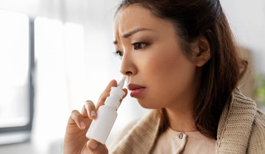 Ya en farmacias un espray nasal que bloquea el covid durante 5 horas