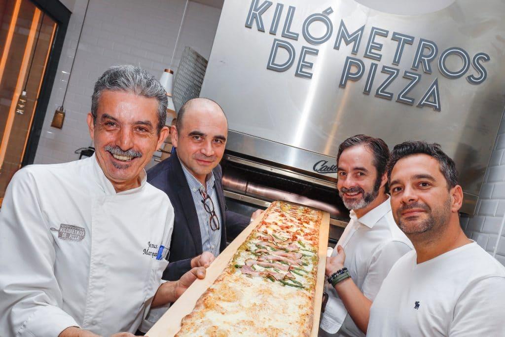 Kilómetros de Pizza: donde la mejor pizza del mundo se vende por metros