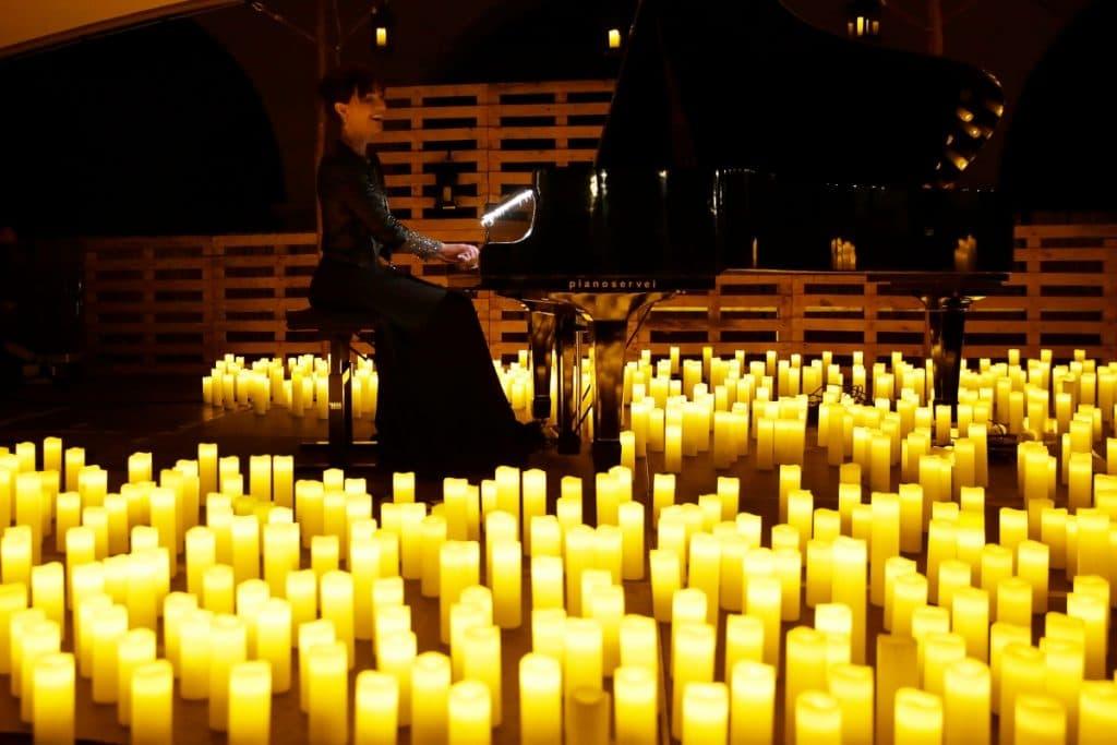 Los jardines de San Telmo se llenan de velas para acoger un concierto de Chopin