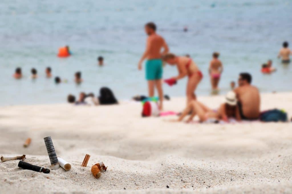 ¿En qué playas de Andalucía está prohibido fumar?