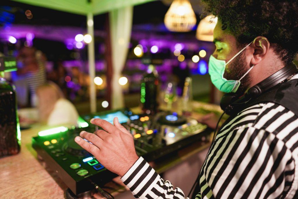 El pasaporte covid será obligatorio para acceder al interior de discotecas y bares de copas