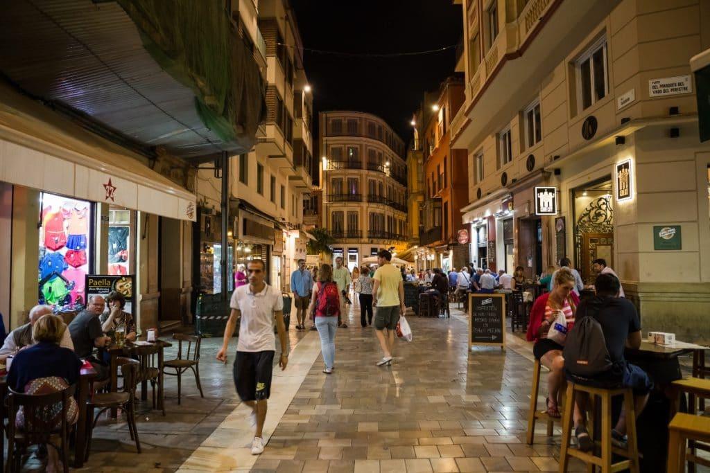 Andalucía amplía el horario de apertura de la hostelería y el ocio nocturno