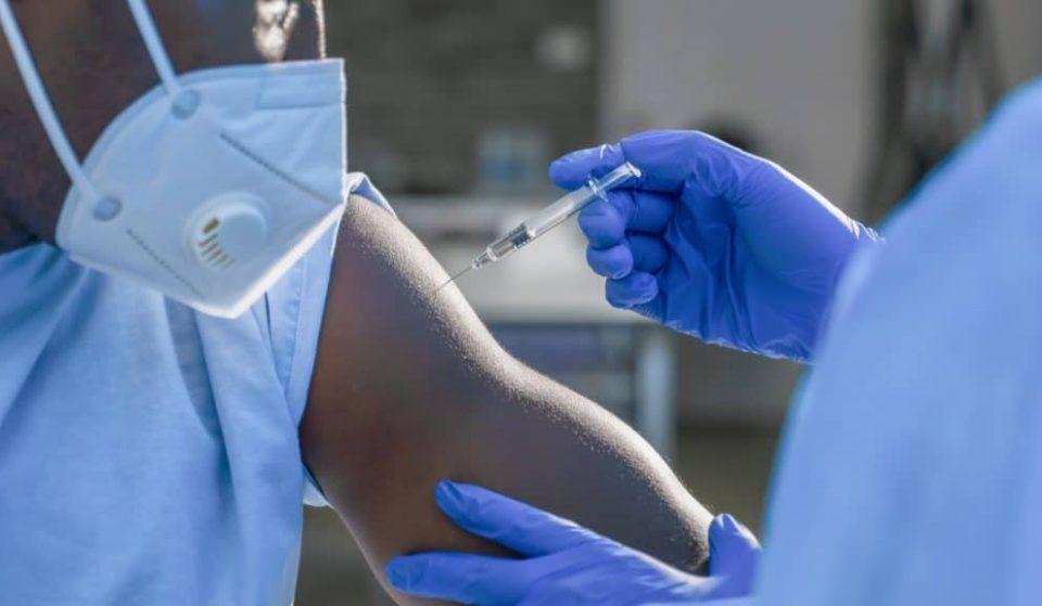 Andalucía empieza a vacunar con la tercera dosis a inmunodeprimidos