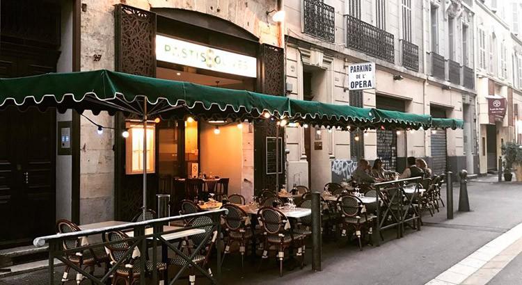 pastis & olives marseille terrasse sortir