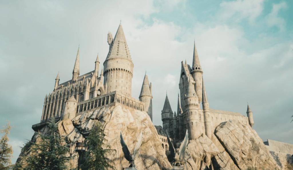 L'univers Harry Potter débarque à Marseille avec la boutique Aux 2 balais!