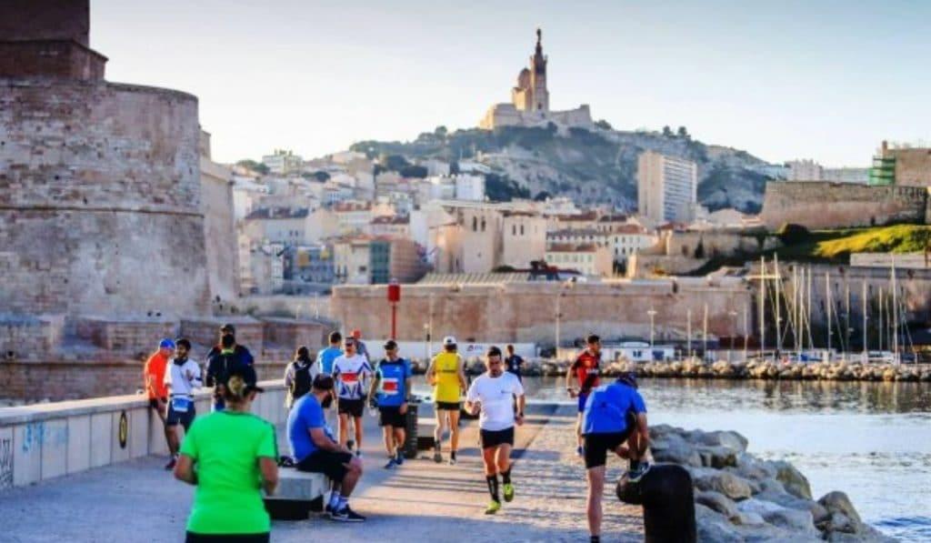 La ville de Marseille vous offre des séances de sport gratuites à réaliser chez vous !