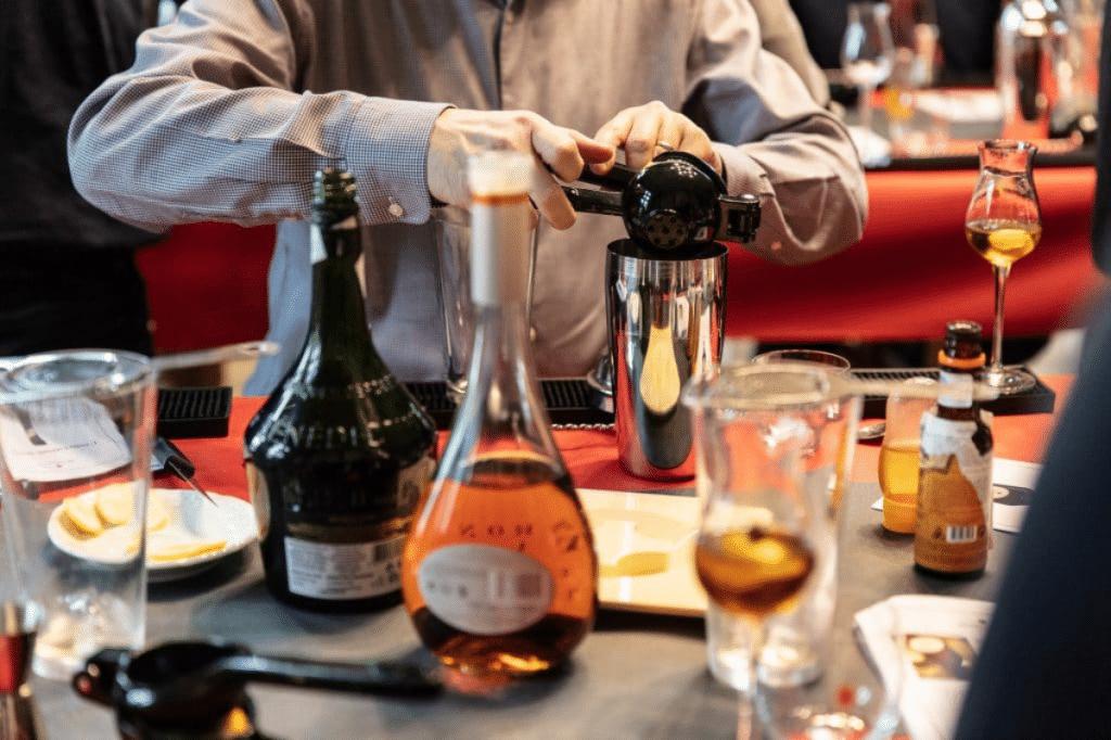 3 distilleries françaises vous convient à un Tour de France virtuel des spiritueux !