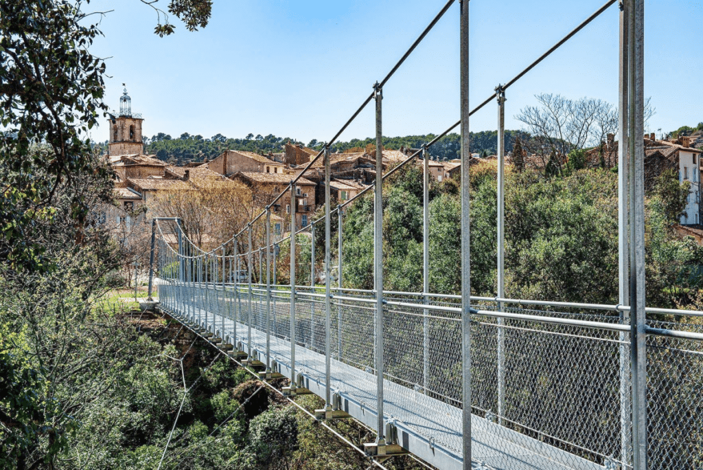 Une nouvelle Passerelle Suspendue de 70m de long a vu le jour à quelques Kilomètres de Marseille !