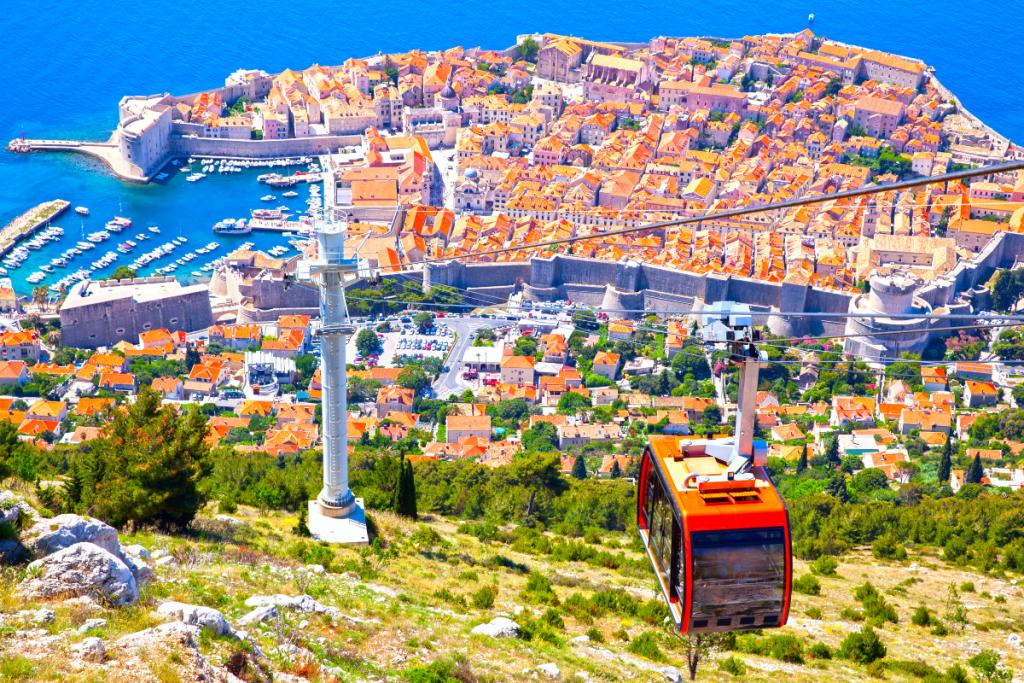 Bientôt un Téléphérique entre l'Aéroport Marseille-Provence et la Gare de Vitrolles ?