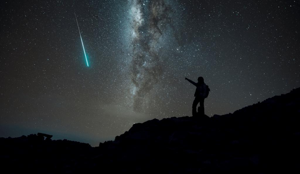 Une Pluie d'Étoiles Filantes va illuminer le ciel toute cette semaine !